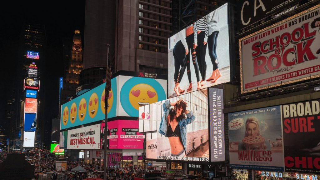 enhance digital signage by monitoring screens