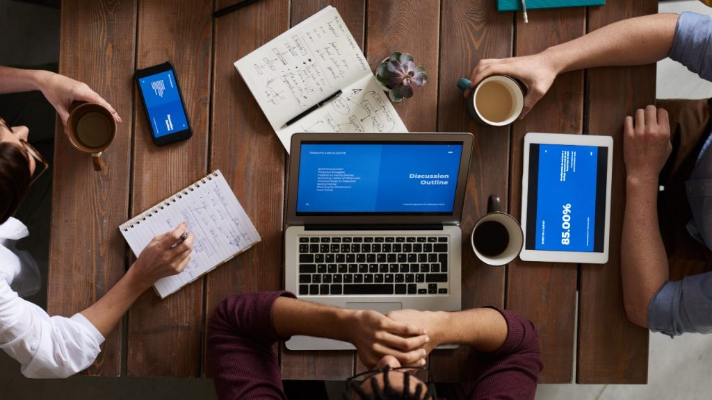 8 Essential Tools for SMBs To Improve Productivity