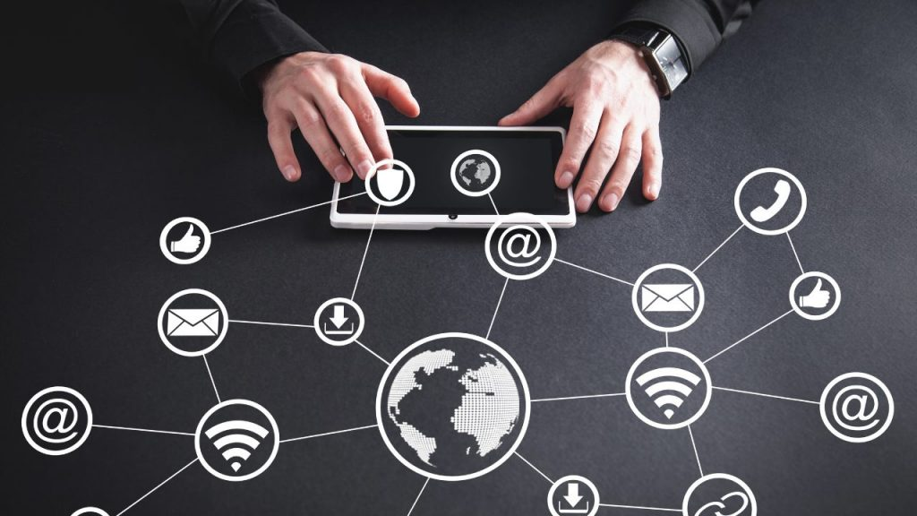 How Can the Internet Of Things Help In Social Media Monitoring?