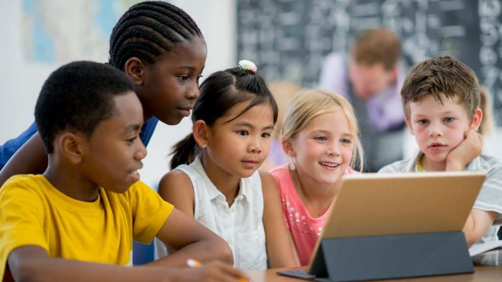 A Definitive Guide to Using The Right MDM Solution for K12 Remote Learning